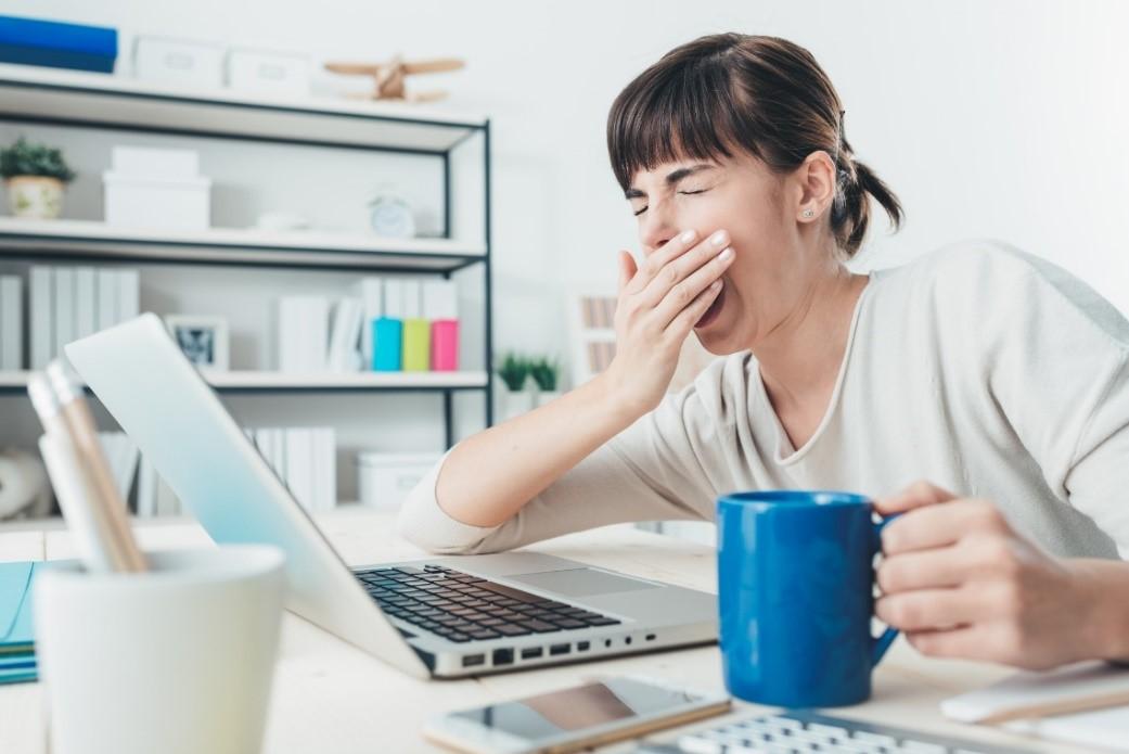 Dlaczego czujesz się zmęczony przezcały czas – odkryj 5 przyczyn